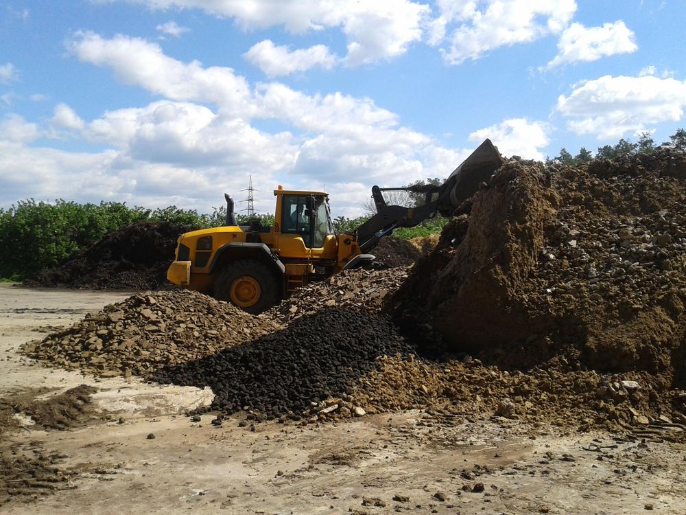 Raccolta dei rifiuti organici e impianti per il riciclo: resta il divario tra Nord e Sud